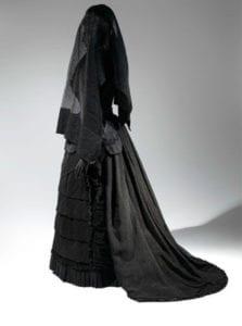 الحجاب الكاثولوكي في الجنائز