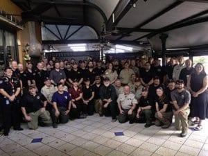 صورة رجال أعمال الإطفاء المسافرين لأستراليا لحرائق الغابات