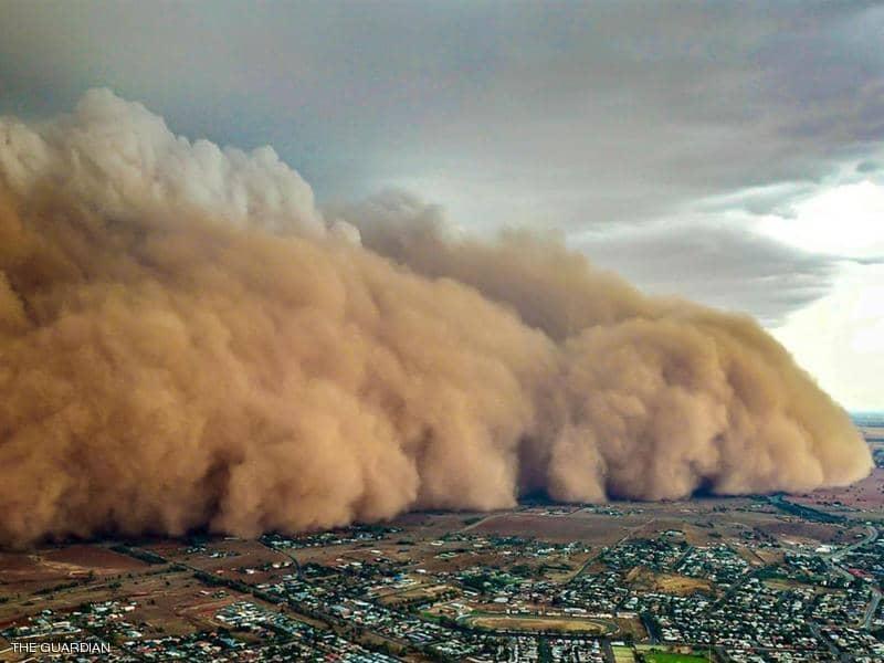 صورة تمثل عاصفة ترابية