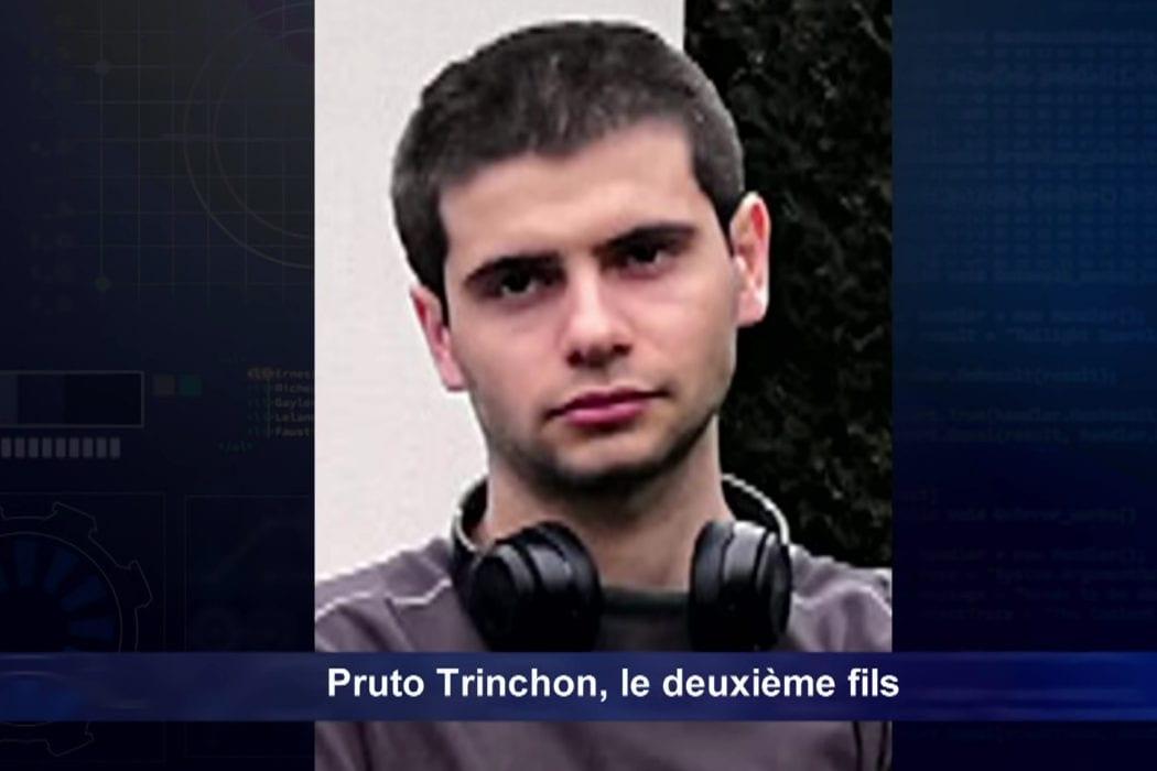 فرنسا الابن يقتل جميع من في المنزل لأن العاملة أطفأت الوايفاي