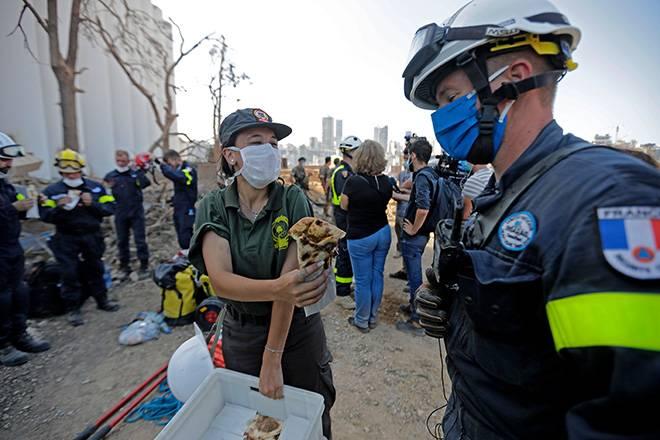 وصول وعمل طاقم الإنقاذ من فرنسا إلى لبنان انفجار بيروت