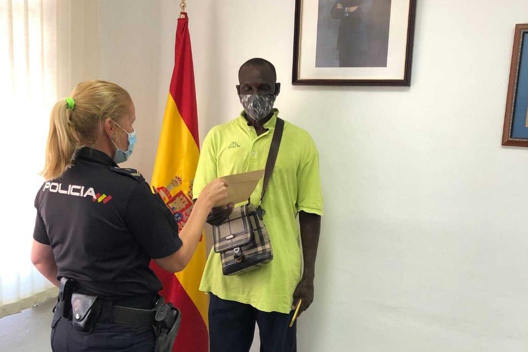 جبريل مهاجر إفريقي في إسبانيا