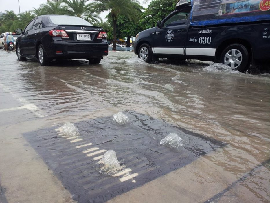 صورة حقيقية فيضانات وقعت في تايلاند وليس ماليزيا