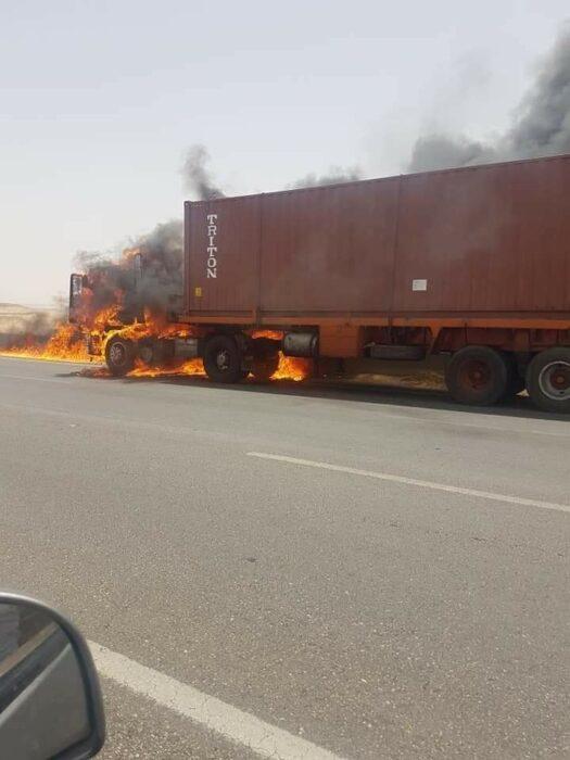 احتراق شاحنة نقل في الشرقية مصر وليس المغرب
