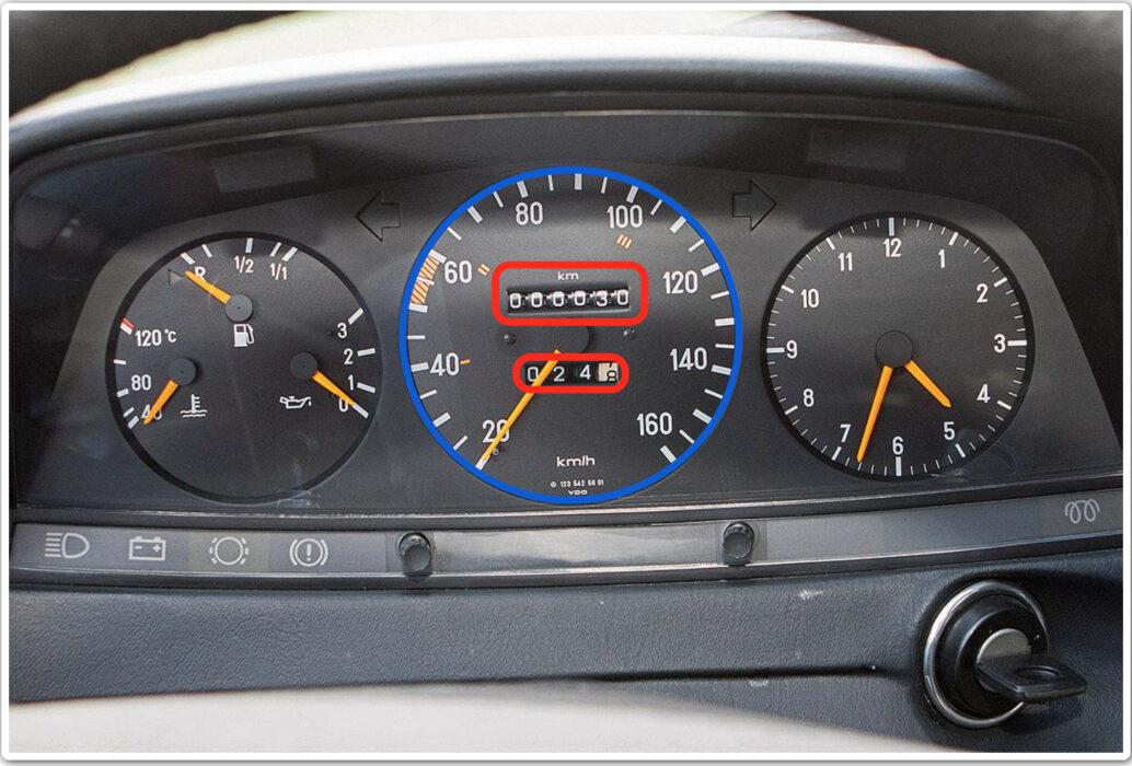 عداد السرعة سيارة مرسيدس دي 240