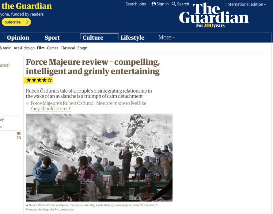 مشهد تمثيلي يصور انهيارا جليديا اقتبس من الفلم السويدي القوة القاهرة