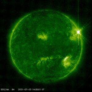 التوهج الشمسي بتاريخ 3 يوليو 2021 نقلًا عن ناسا فتبينوا