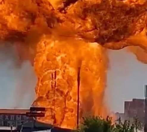 حريق محطة وقود في الجزائر